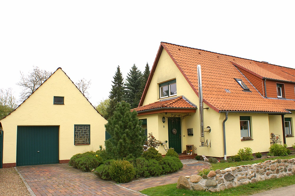 VERKAUFT! Modernisierte Doppelhaushälfte mit Garage